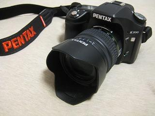 デジタル一眼レフカメラ PENTAX K200D を買った。