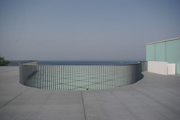 横須賀美術館に行ってきた。