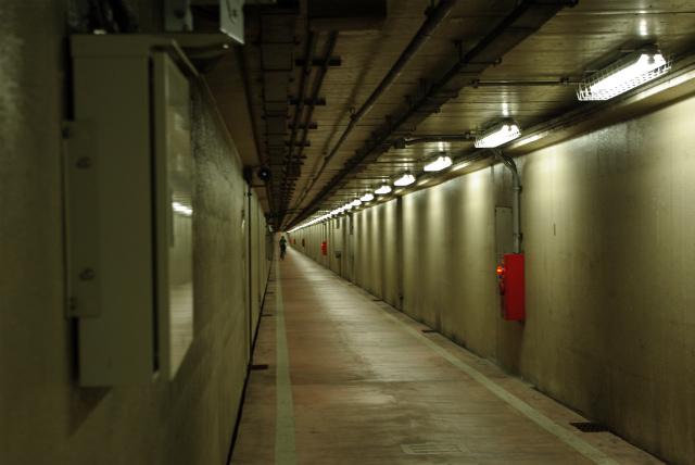 川崎工場地帯_歩行者トンネル