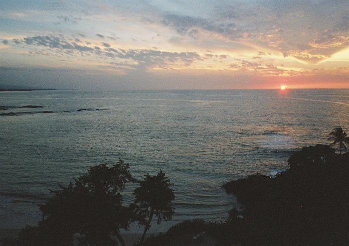 マウナケアビーチに沈む夕日