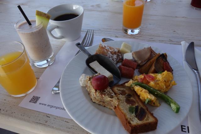 ロッカベラミコノスの朝食