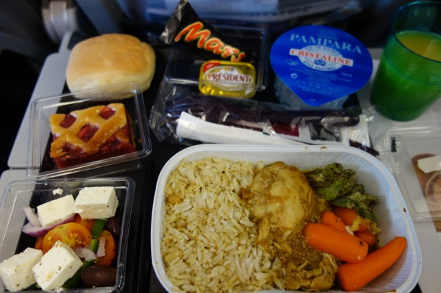 カタール空港の機内食