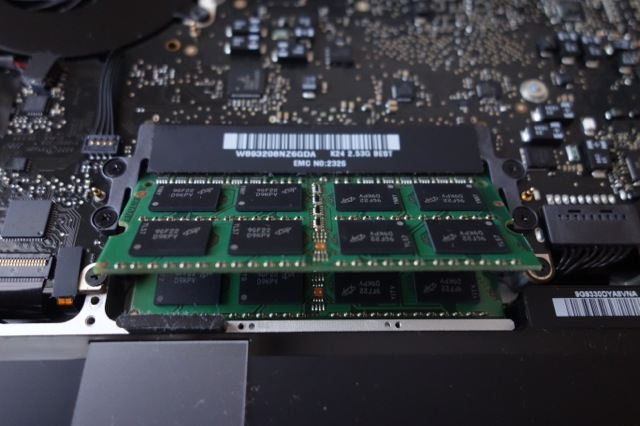 MacBook Proのメモリ交換手順