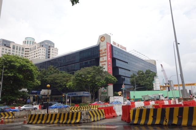 [シンガポール] 電気街シムリムスクエアに行ってみた