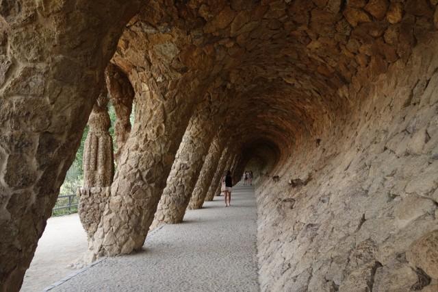 グエル公園の斜めの回廊
