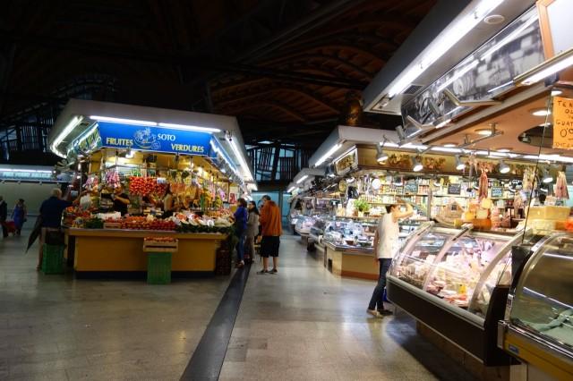 [バルセロナ] サンタ・カタリーナ市場とボケリア市場