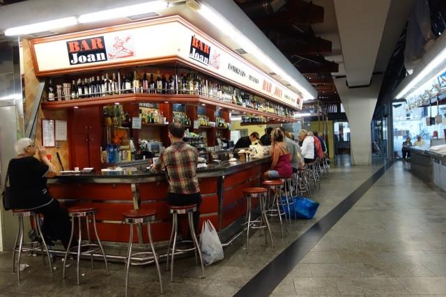 サンタ・カタリーナ市場のバー
