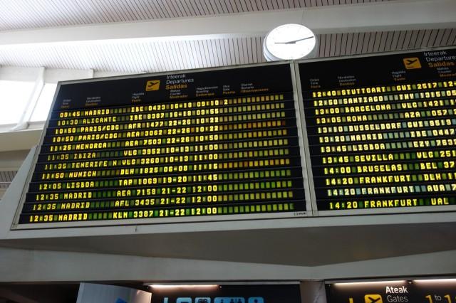 ビルバオ空港電光掲示板