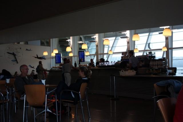 ビルバオ空港のカフェ