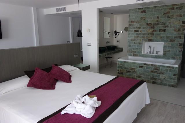 Fiesta Hotel Don Carlos ベッド