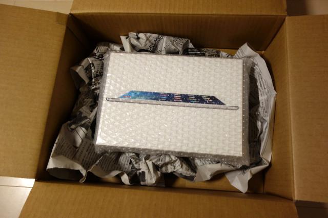 iPadを梱包して発送