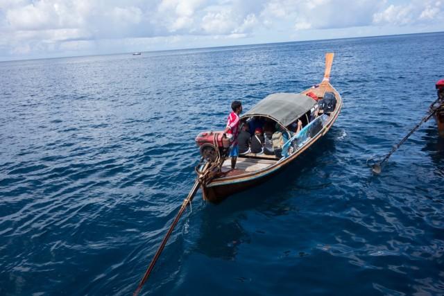 ロングボートに乗り換え