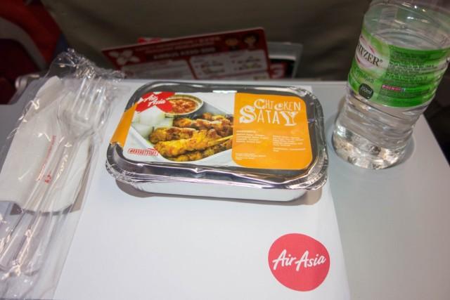 機内食チキンサテー