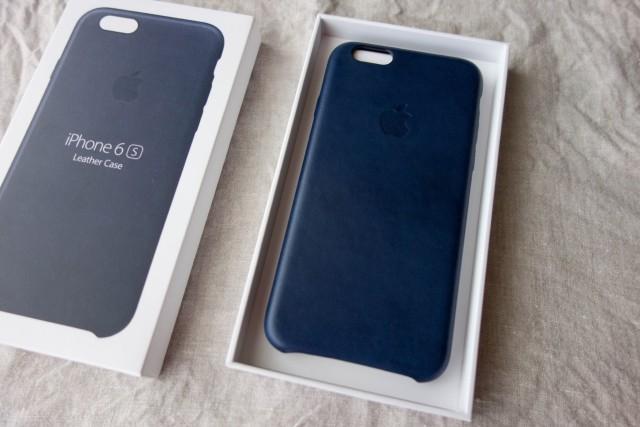 iPhone6s革ケース 紺色