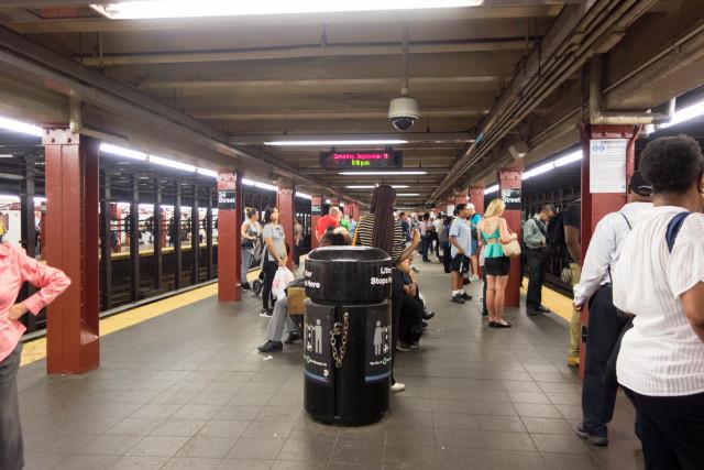 NY地下鉄ペンステーション駅ホーム