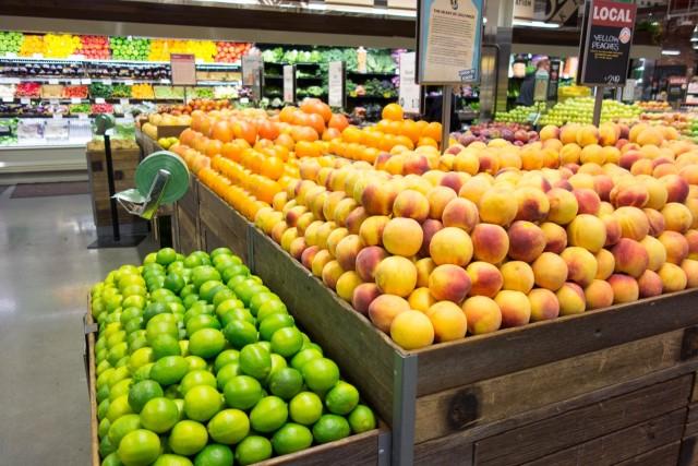 ホールフーズの果物売り場
