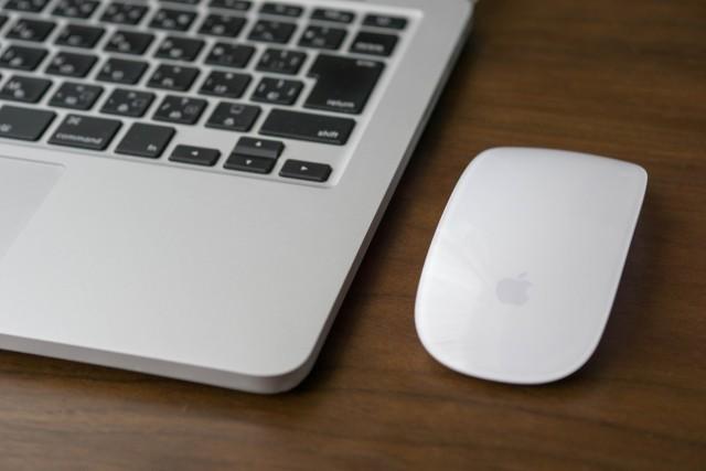 MacbookとMagic Mouse2