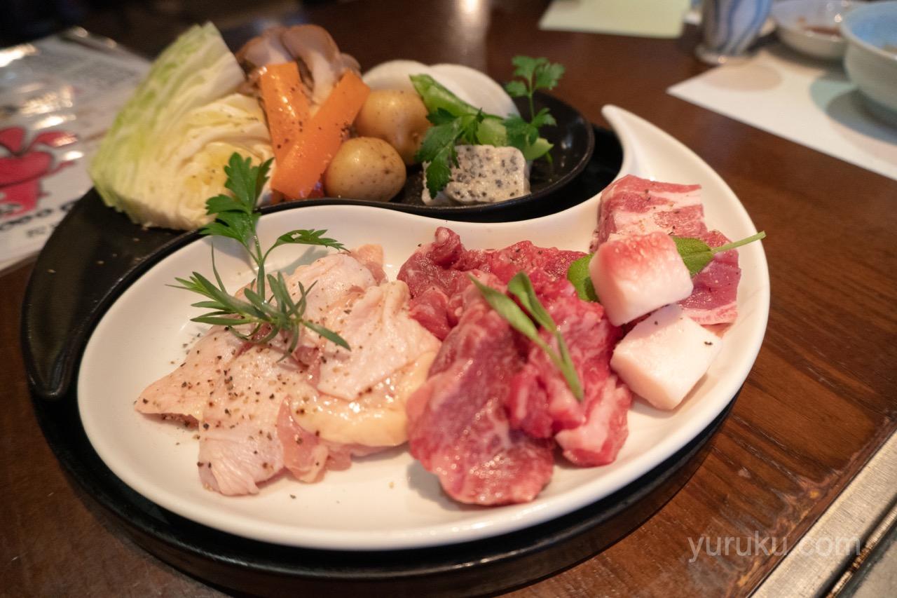 溶岩焼きのお肉と野菜