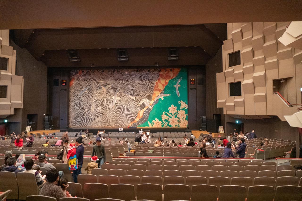 公演前の会場の雰囲気