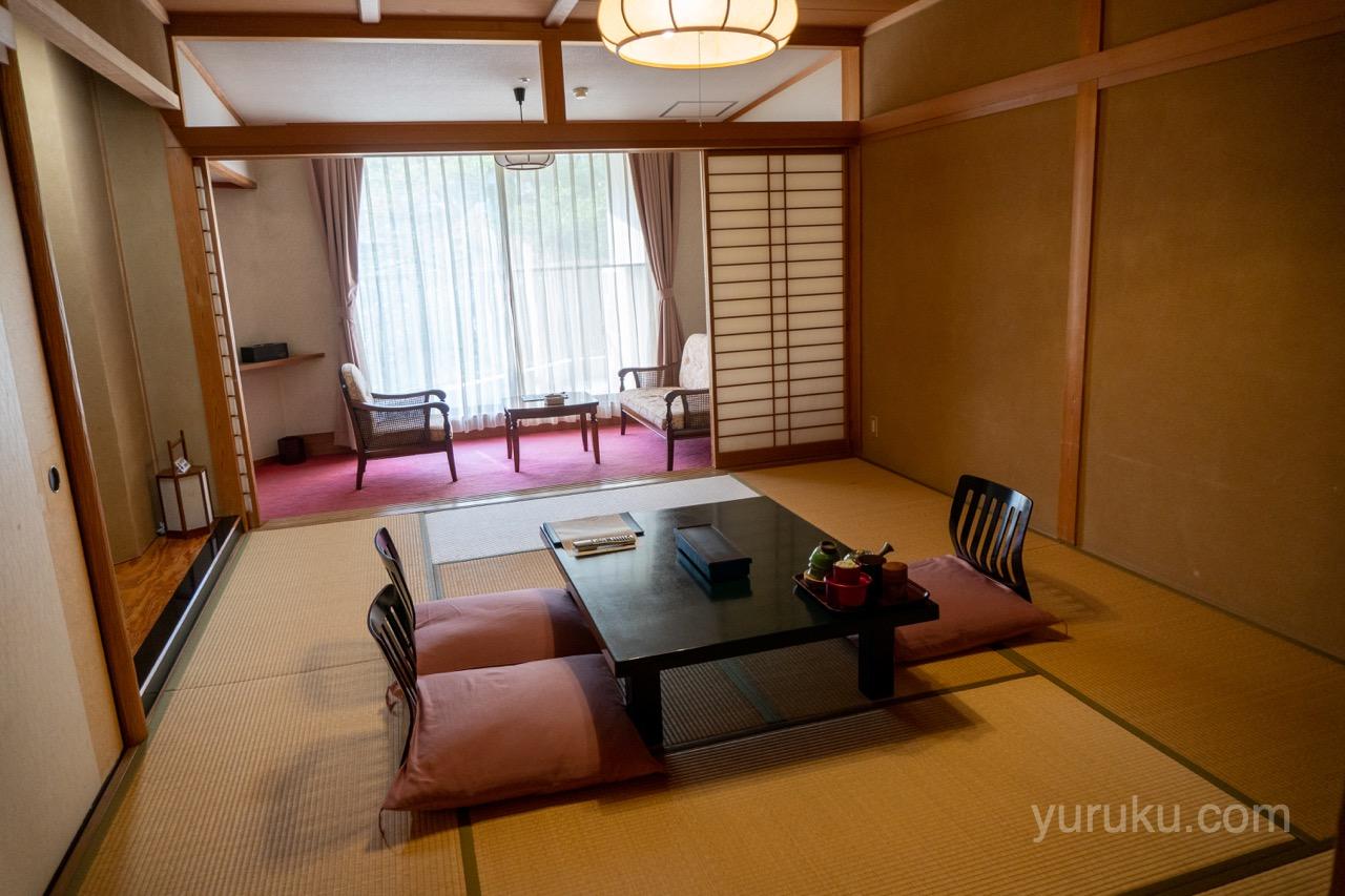 辰巳館の部屋(登竜館10畳+広縁)