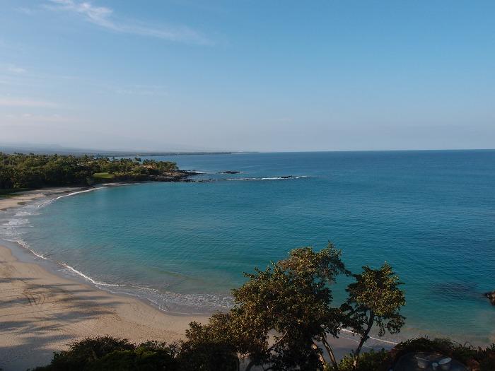 Pマウナケアビーチホテルからのビーチの眺め